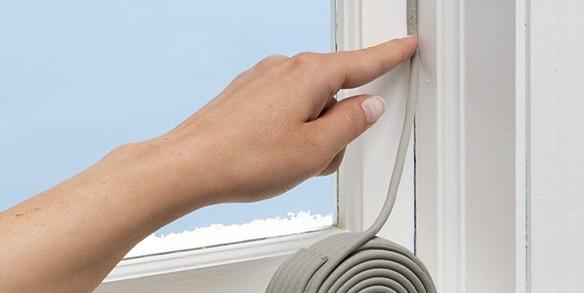 Comment isoler une fenêtre en bois?